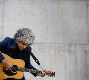 Paul Ubana Jones - To Play at Edgewater Hotel, Wanaka